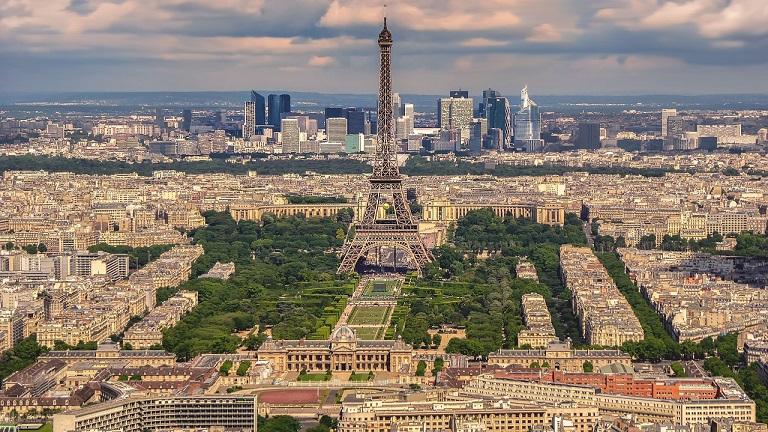 Paris bans diesel vehicles